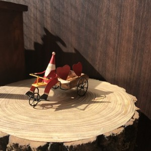Santa n Cart Hearts 1700